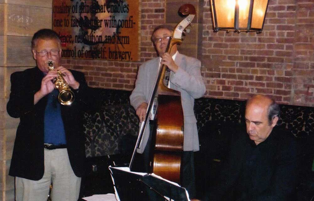 Mike Ficco performing in his trio during the Long Island Winterfest.